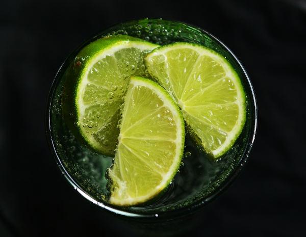 Při užívání křemeliny pijte dostatek vody